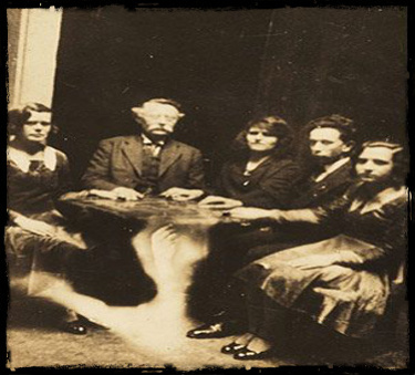 Spiritualist Movement ghosts hunting haunted paranormal Spiritualist Movement victorian Michelle McKay